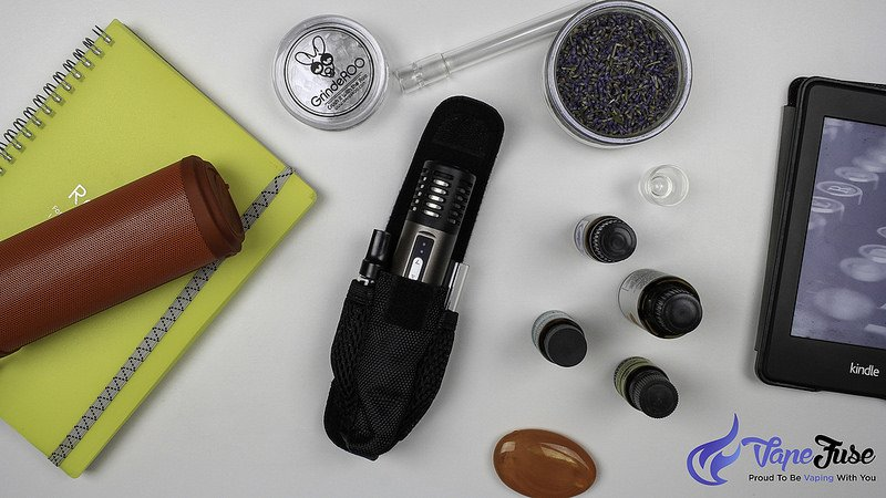 arizer-air-portable-vaporizer-and-case