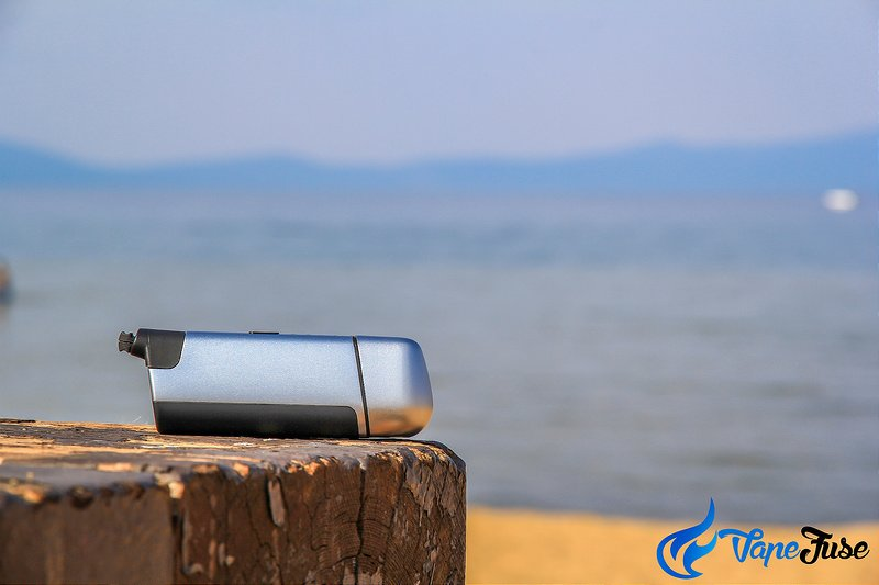 vapir-prima-portable-vaporizer-on-the-beach