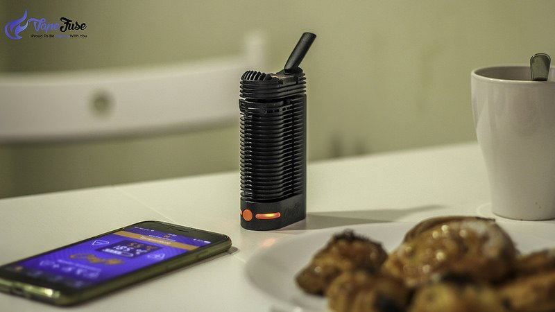 The Crafty Vape made by the German Storz and Bickel comes with one button mechanism, however, using a Smartphone app you can adjust the temperature.