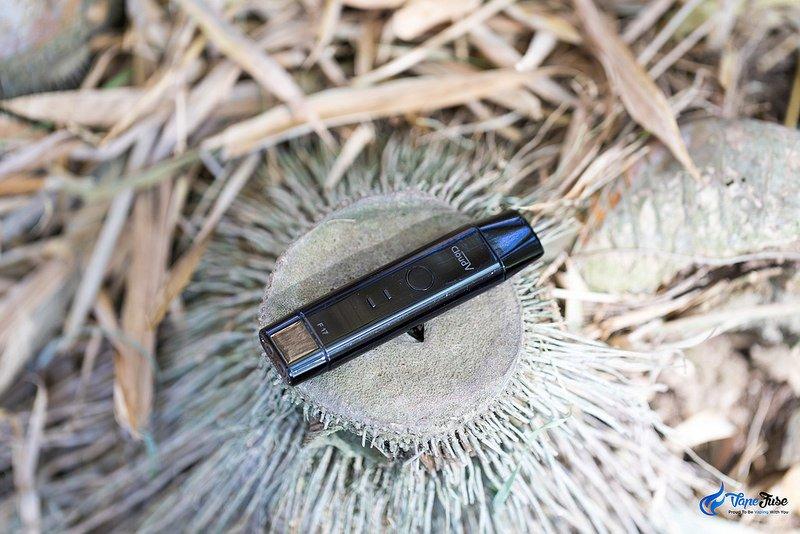CloudV F17 Portable Vaporizer in black Outdoor