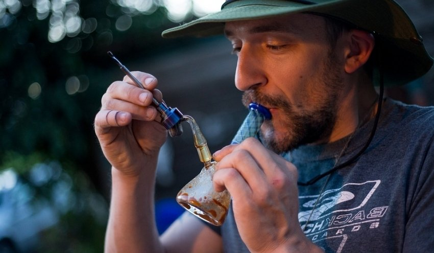 Cannabis Dabbing Safety Tips