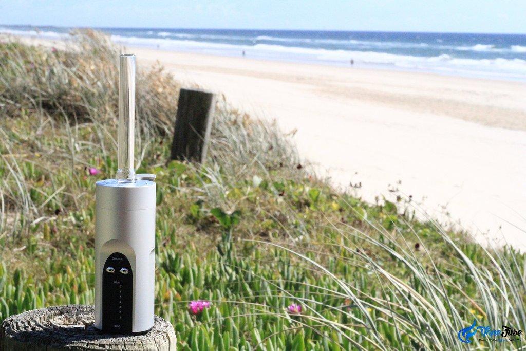Arizer Solo Silver portable vaporizer on the beach